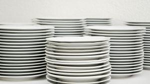 Restaurateurs : comment bien choisir son lave-vaisselle professionnel ?